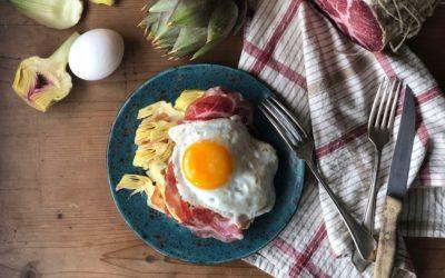 Waffles salati con uovo, Coppa di Parma e carciofi