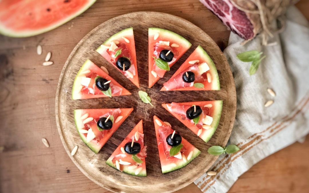 Finta pizza di anguria con involtini di Coppa di Parma IGP