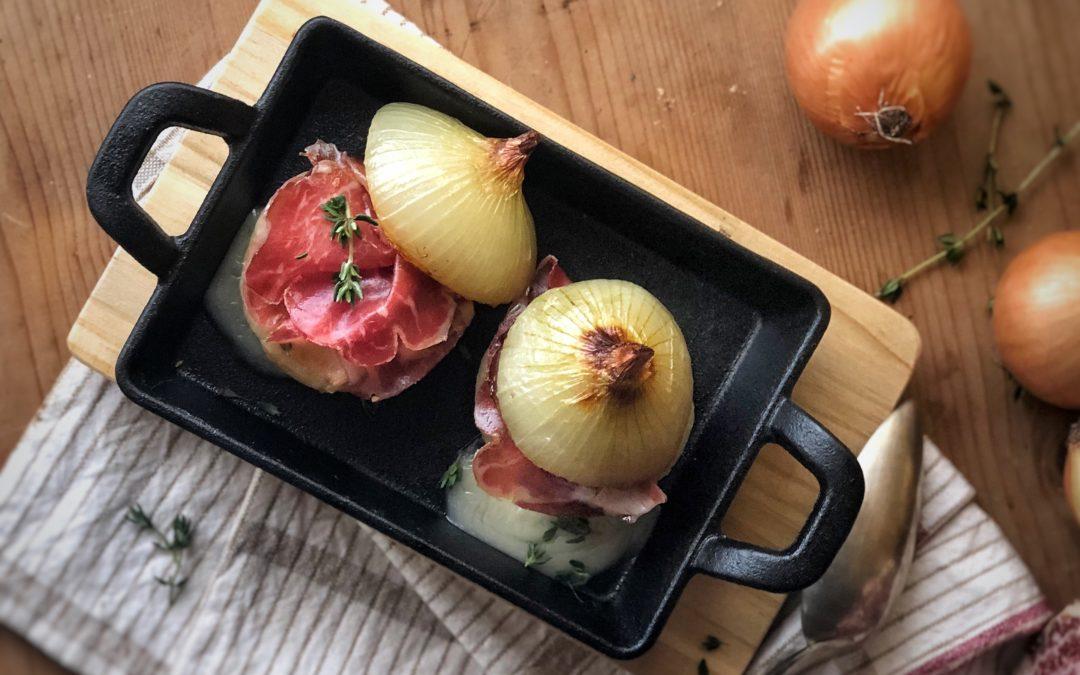Sandwich di cipolle al timo con taleggio e Coppa di Parma IGP